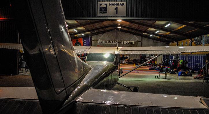 czapla-plane-hanger-724-394